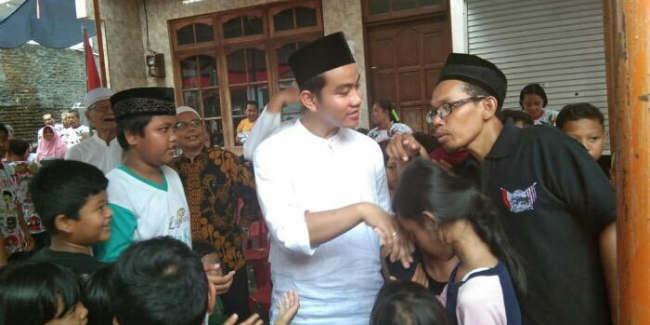 Blusukan, Gibran Jokowi Dapat Keluhan Perizinan Dan Permodalan