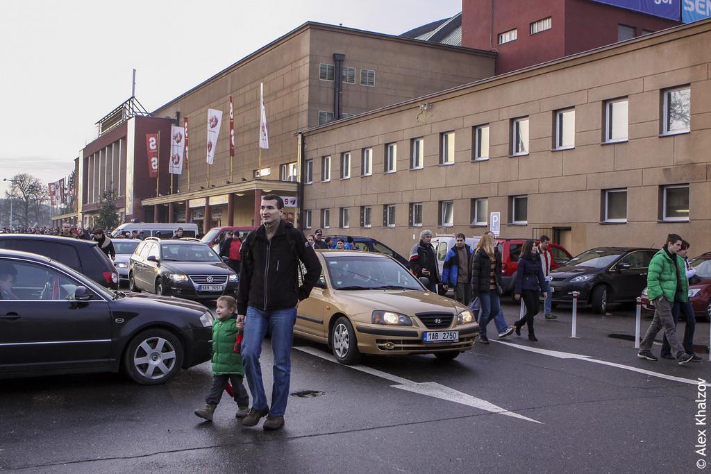 Юный болельщик Ак Барса с отцом