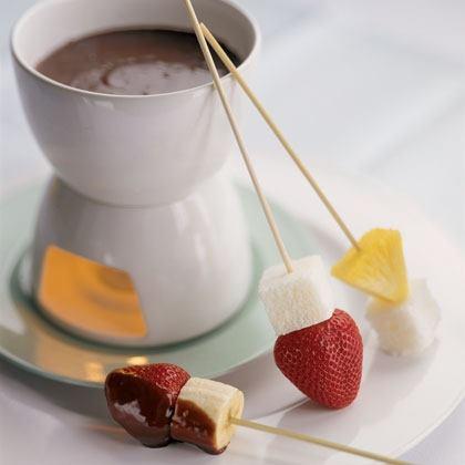 Fresh Fruit Fondue with Chocolate Sauce