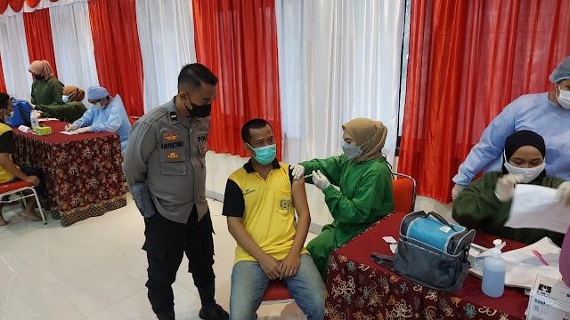 TNI Polri dan Dinas Kesehatan Berikan Layanan Vaksinasi di Lapas Kelas IIA Balikpapan