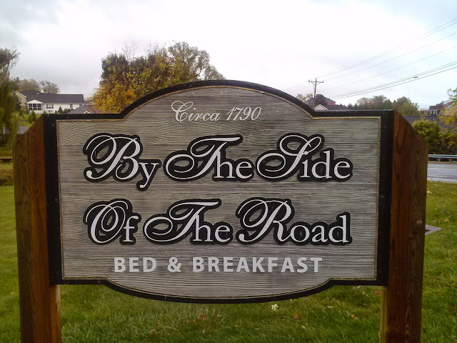 By the Side of the Road Inn & Cottages in Harrisonburg, VA  l  Love.Bake.Read