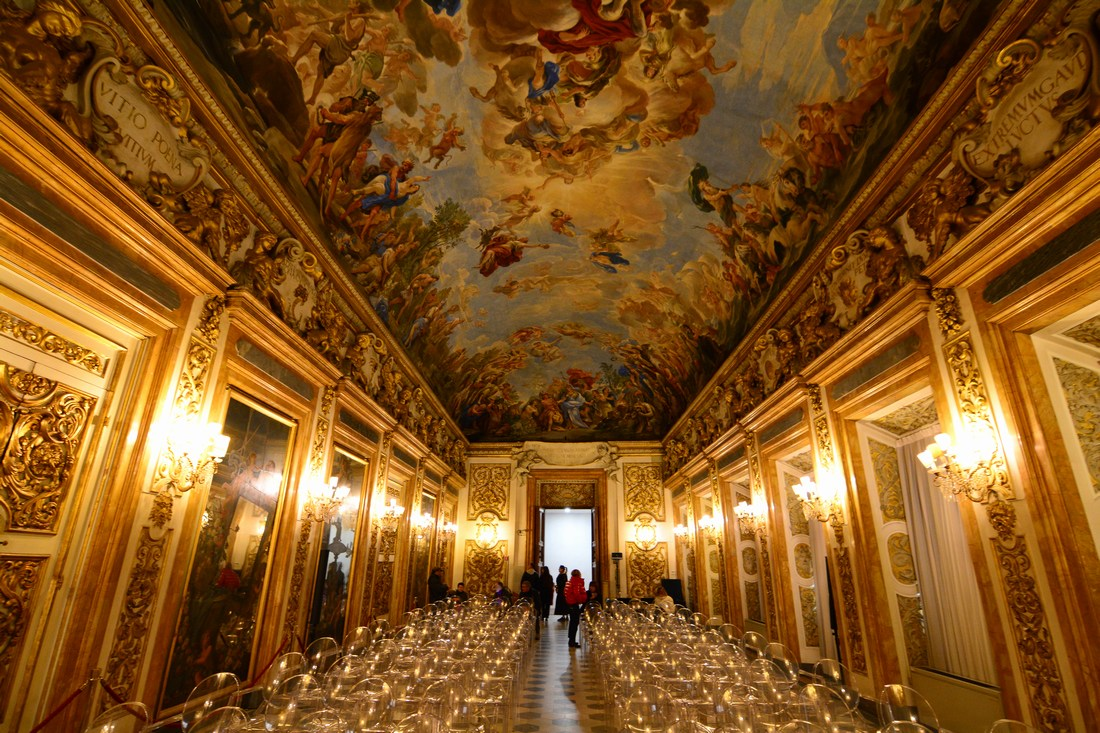 Vue d'ensemble de la galerie des glaces.  Palazzo Medici Riccardi