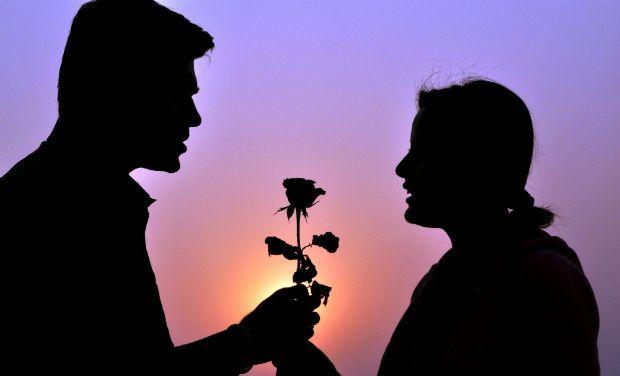 Most romantic Valentine day couple image pic