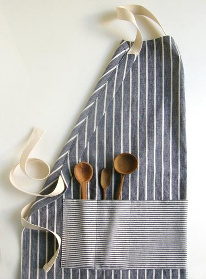 Handmade adjustable apron