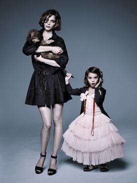 mujer niña, niña mujer, una mezcla de ambas.