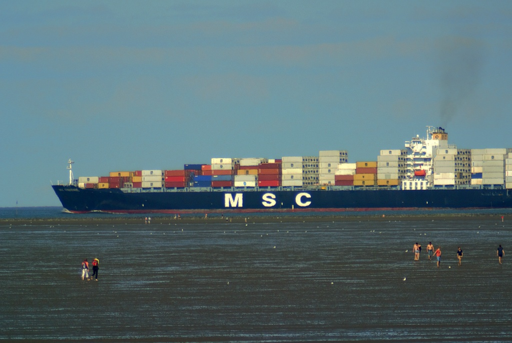 #120 Orestor f4 200mm - Großes Schiff, kleiner Mensch
