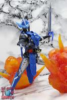 S.H. Figuarts Kamen Rider Blades Lion Senki 32