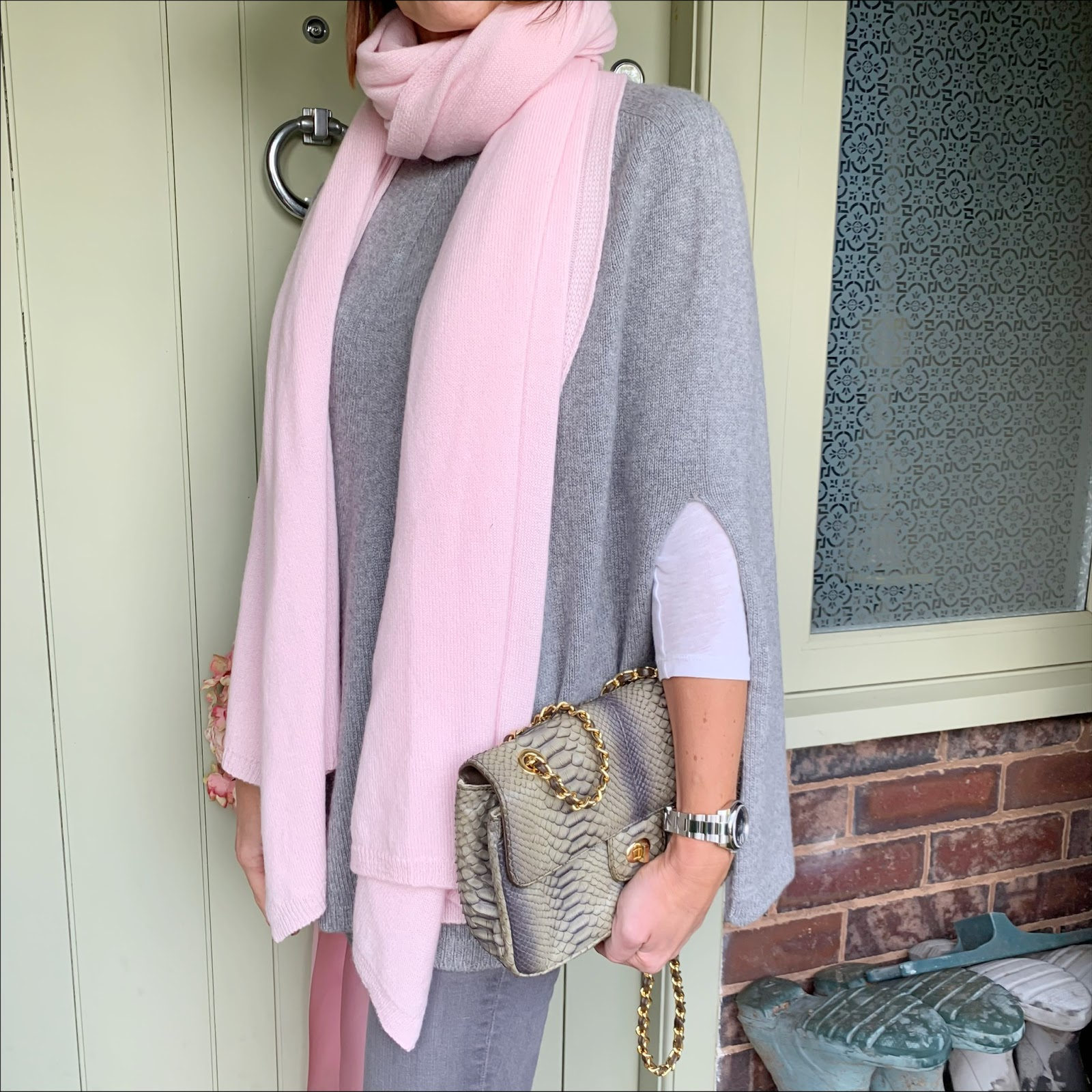 my midlife fashion, italy in cashmere, pure cashmere wrap in baby pink, pure cashmere poncho cape, snakeprint crossbody bag