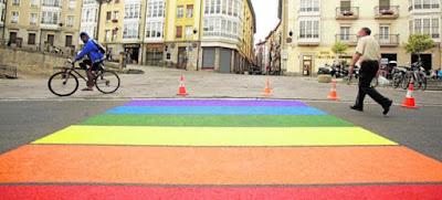 Carmena, Madrid, Orgullo Gay, Paso peatones, Ilegal, Podemos, Ahora Madrid