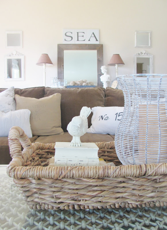 Home Goods Couches: Family Room Photos & Resources