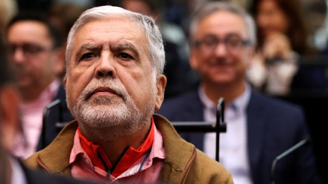 """Elevan a juicio al exministro de planificación argentino Julio De Vido en causa por """"maniobra defraudatoria"""""""