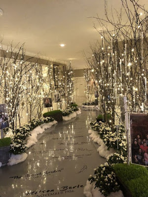 A grand winter wonderland entrance that will blow your guests mind.  Winter Wedding Ideas You Will Love – Wedding Soiree Blog by K'Mich, Philadelphia's premier resource for wedding planning and inspiration