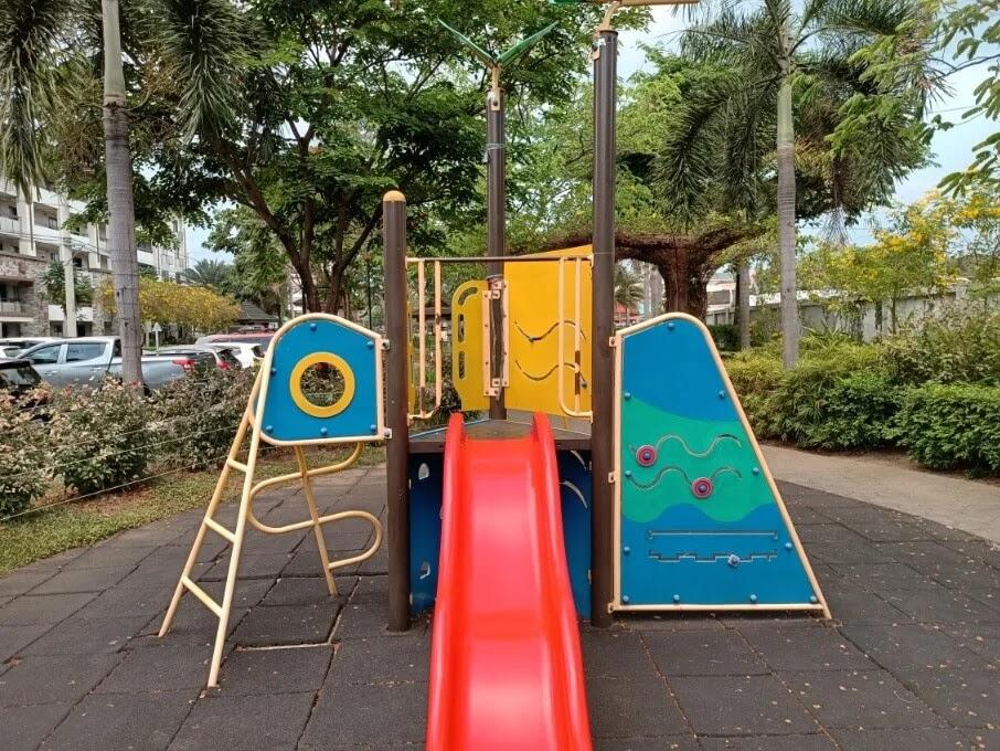 OPPO Reno3 Pro Camera Sample - Playground, Dazzle Color Off