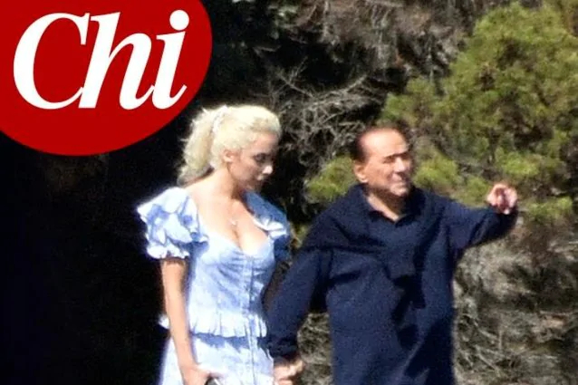 Berlusconi demonstrates his relationship with his new girlfriend