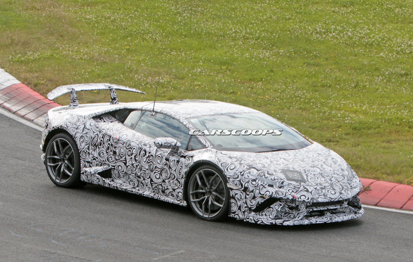 2017 Lamborghini Huracan Superleggera Is Coming To Get You Carscoops