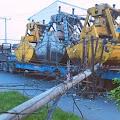 Tiang Tumbang Disenggol Truk, Listrik di Kelurahan Belawan II Padam