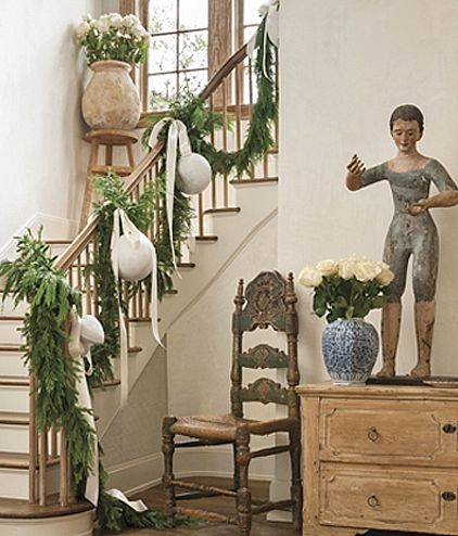 Pamela Pierce Designed French country Christmas decor in an entry. #frenchcountrychristmas