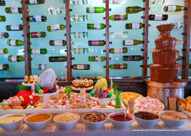 chocolate fountain in Fujairah Rotana Buffet