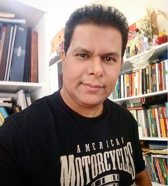 Valdivino Sousa é matemático e pedagogo e criou o método XYZ para ensinar equação de 1º grau, o método tem surtido efeito, pois mostra uma linguagem diferente e simples, fugir do ensino tradicional e ligar a vida prática com a matemática é um dos objetivos do Matemático.      A seguir confira o método     Acesse: https://www.matematicosousa.com.br/2018/06/metodo-xyz-um-jeito-diferente-de.html