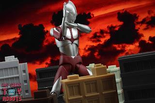 S.H. Figuarts Ultraman (Shin Ultraman) 23