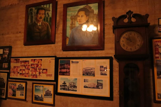 Portraits, paintings and photos in the Ruins