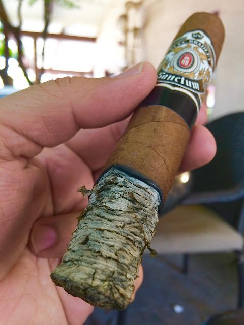 Alec Bradley Sanctum Gordo cigar 4