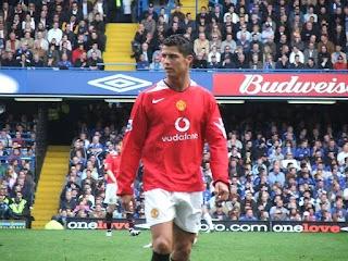مانشستر يونايتد يُعلن عن التوصل لإتفاق من أجل ضم رونالدو
