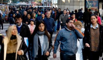 Encuesta reveló que los trabajadores optarían a un empleo con mayores beneficios por sobre uno con mejor sueldo