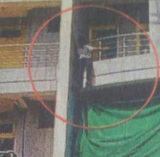 सातवीं मंजिल से कूदा किशोर ग्रिल में फंसा पुलिस फायर ब्रिगेड ने बचाया