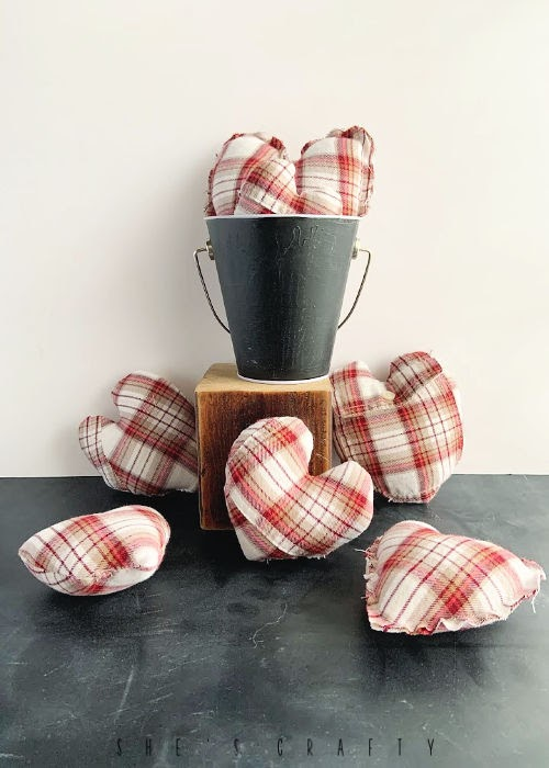Inexpensive Valentine's Day Decoration  - stuffed hearts