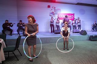 Convidados participando em show de Humor e Circo Produtora durante o evento Convenção Abradit das Concessionarias Toyota realizado no Transamerica São Paulo.