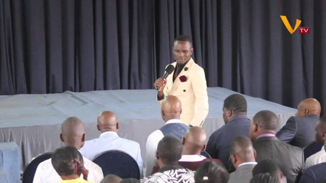 Pastor Zimbabwe Ini Mengaku Punya Nomor Telepon Tuhan
