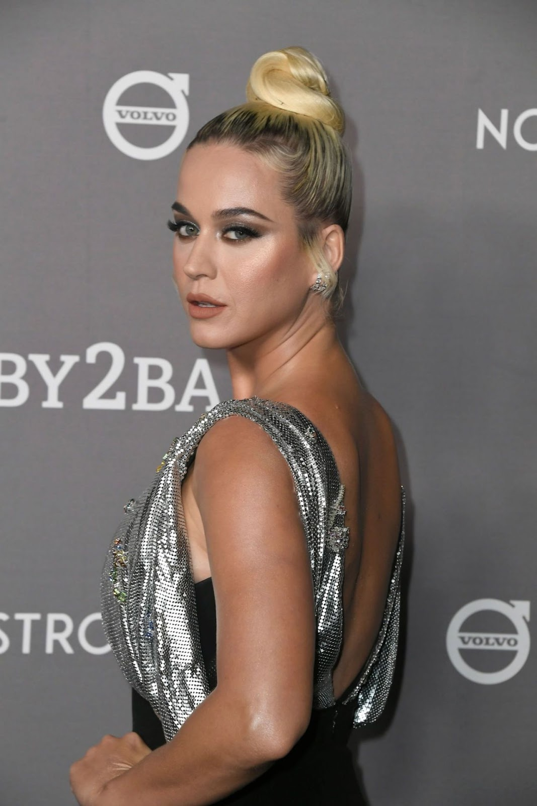 Katy Perry – 2019 Baby2Baby Gala presented by Paul Mitchell at 3LABS in Culver City