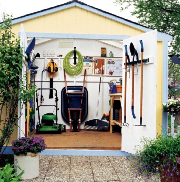 Garden accessories and gardening equipment store