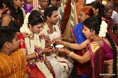Dhivya-Dharshini-Srikanth-Wedding-Stills-6