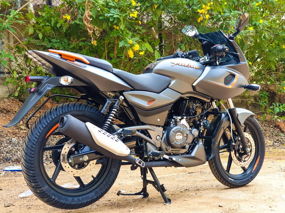 Bajaj Pulsar 180 F Price, Mileage, Specifications, Colors, Top Speed and Service Schedule