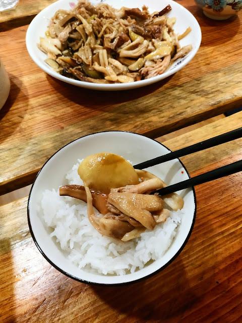 nấm ăn với cơm