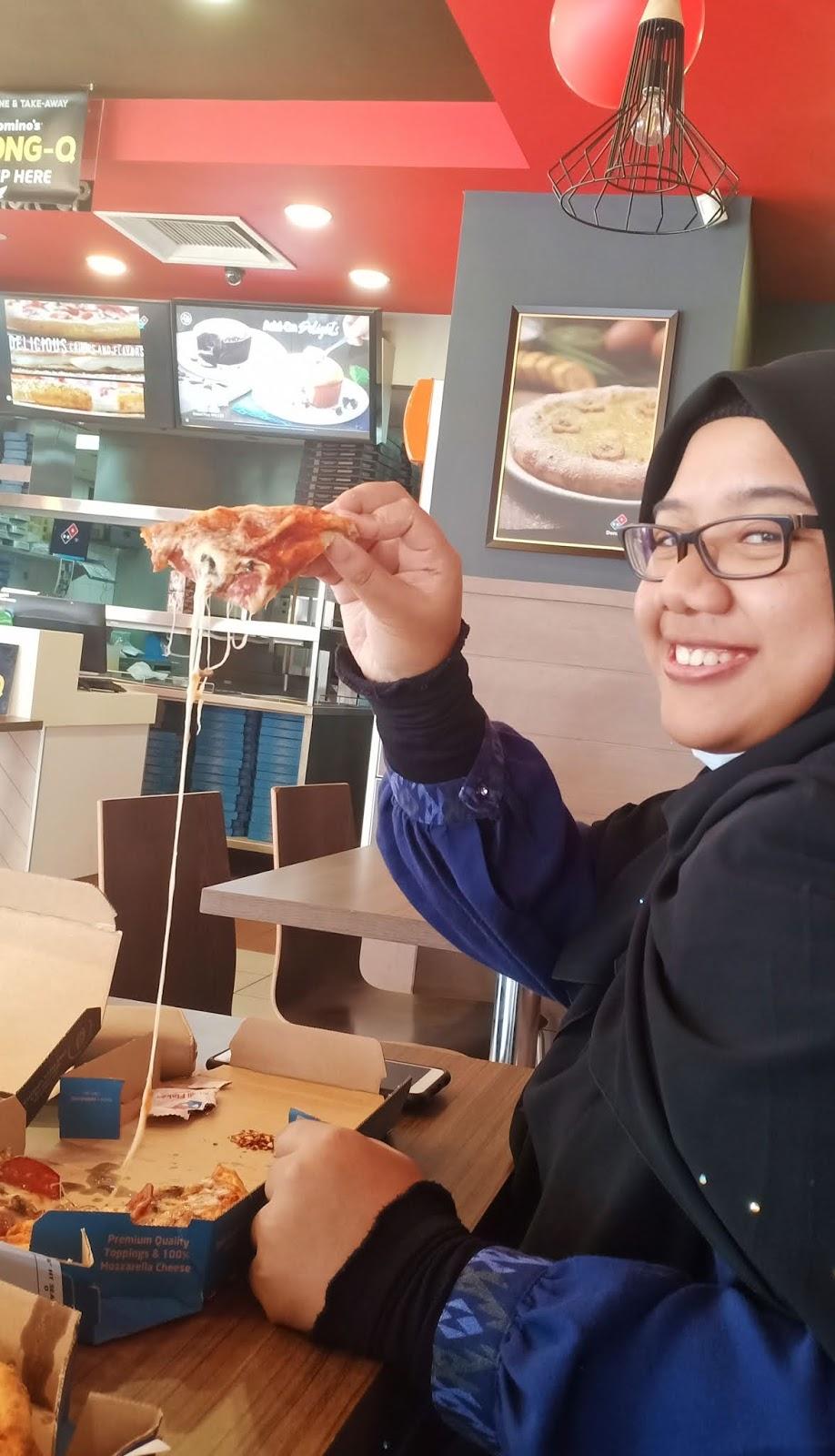 Makan domino's personal pizza harga RM5 jika order sebelum 12 tengahari