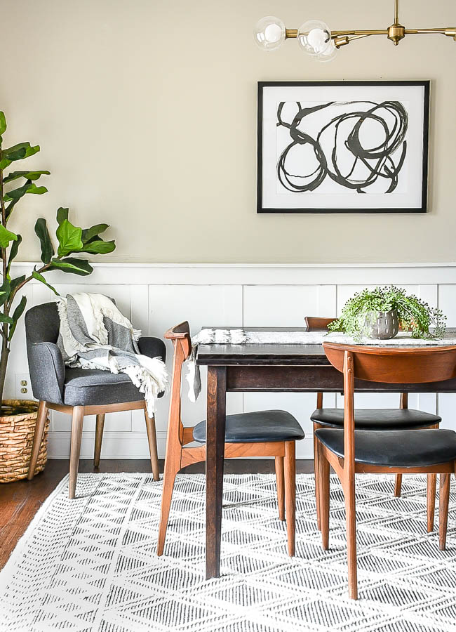 Modern dining room with mid-century modern chairs