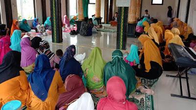 Pengajian Muslimat dan Fatayat Ranting Desa Cepedak