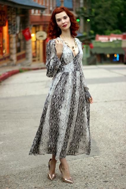 Snakeskin Printed V-Neck Chiffon Dress from Chic Wish snake skin maxi chicwish