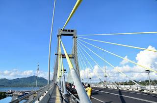 jembatan soekarno kota manado