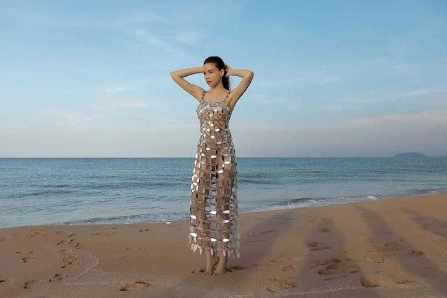 """Hồ Ngọc Hà bị cư dân mạng đặt tên """"thánh dạng của năm"""" chỉ vì mặc đầm xuyên thấu mà xoạc chân tạo dáng"""