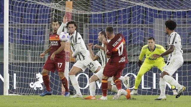 Juventus Dengan 10 Pemain Imbangi AS Roma