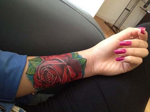 wrist red rose tattoo bilek kırmızı gül dövmesi