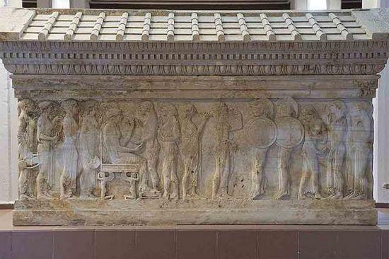 Il sacrificio di Polissena da parte di Neuptolemo davanti alla tomba di suo padre Achille.