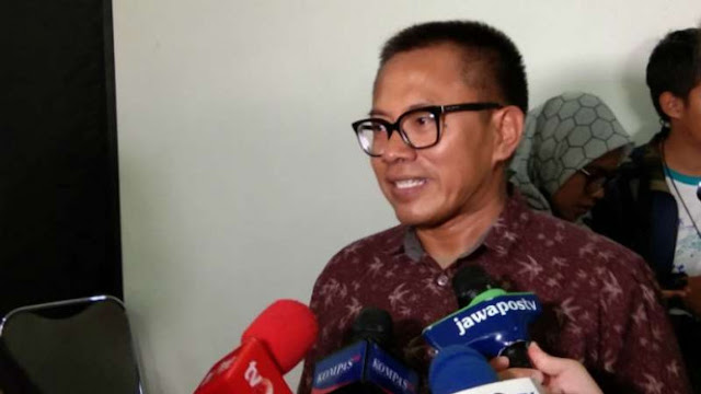 <i>IndonesiaLeaks</i> Tantang Pihak yang Sebut Skandal Buku Merah Hoax