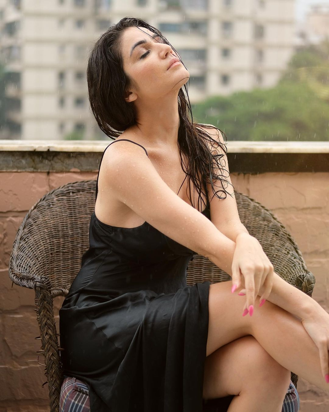 Beautiful model in rain whatsapp dp