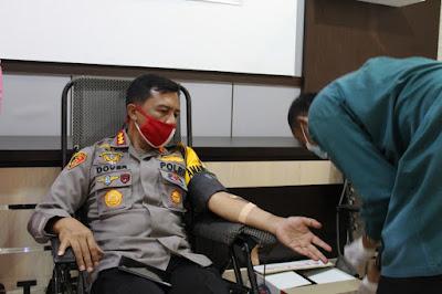 Sambut Hari Bhayangkara Ke-74, Kapolresta Jambi Ikuti Bakti Sosial Donor Darah