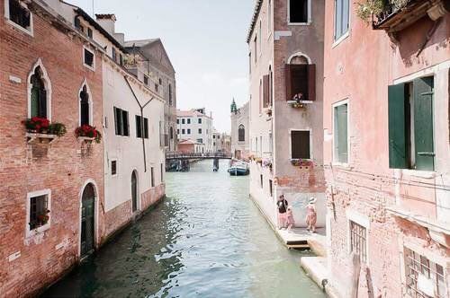 Venice, Italy | Happy Weekend 34 images of inspiration in rose gold {Cool Chic Style Fashion}
